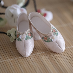 1/3 girl ancient flat shoes of Xue Baochai
